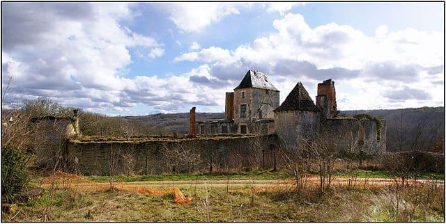 Ruines du chateau du Repaire