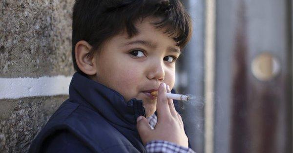 enfant qui fume