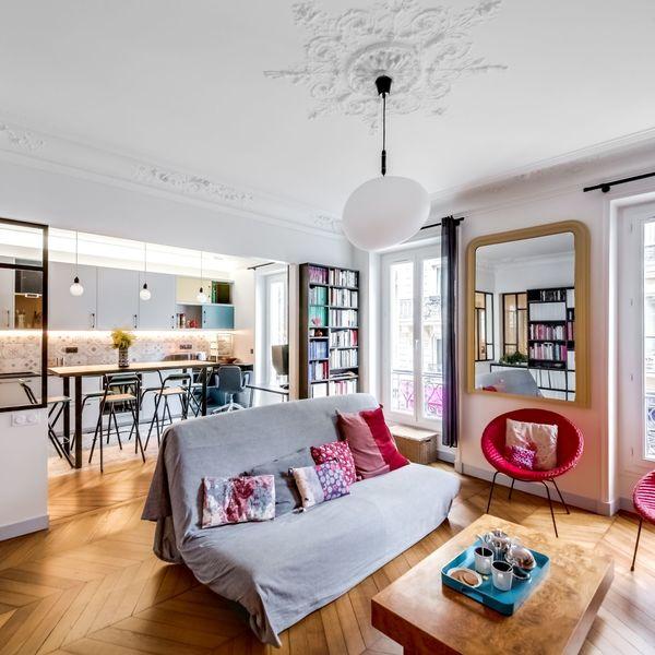Espace ouvert avec cuisine et salon